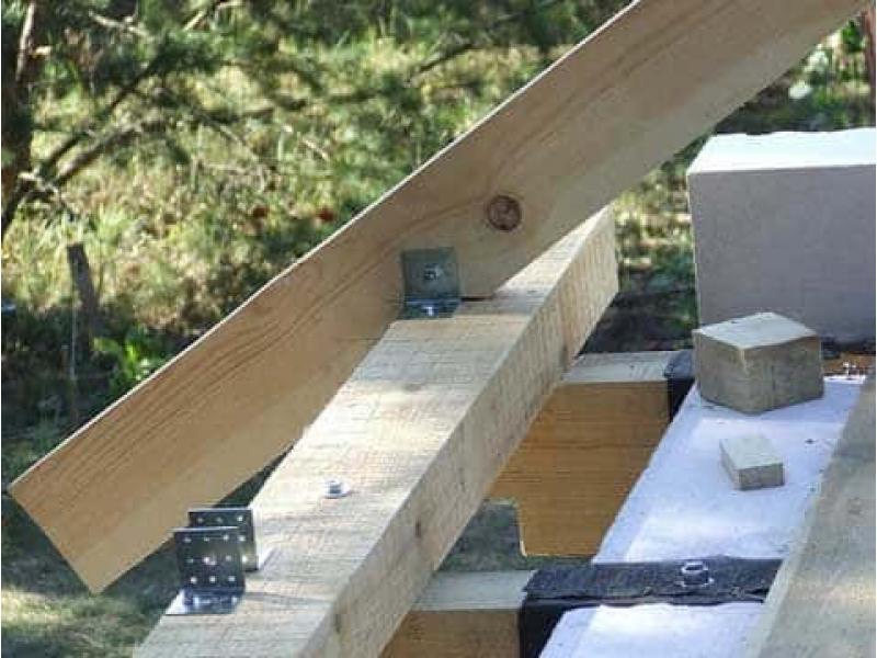 От каких факторов здания зависит устройство стропильной системы крыши?
