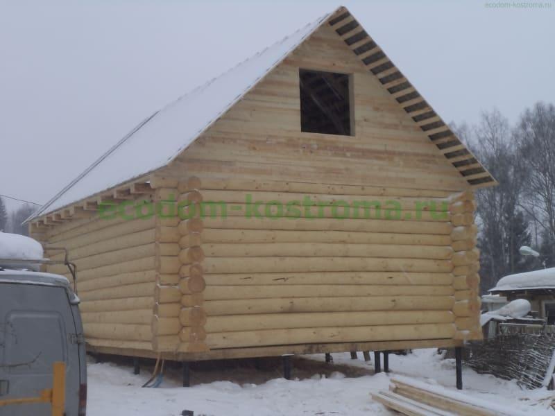 Дом из бревна ручной рубки в Истре